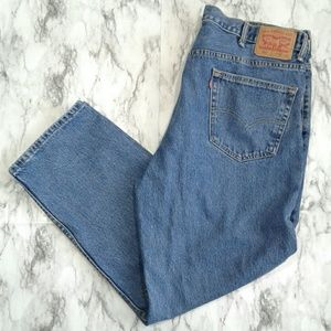 Levi's 550 Relaxed Fit Medium Wash Jeans 42x32